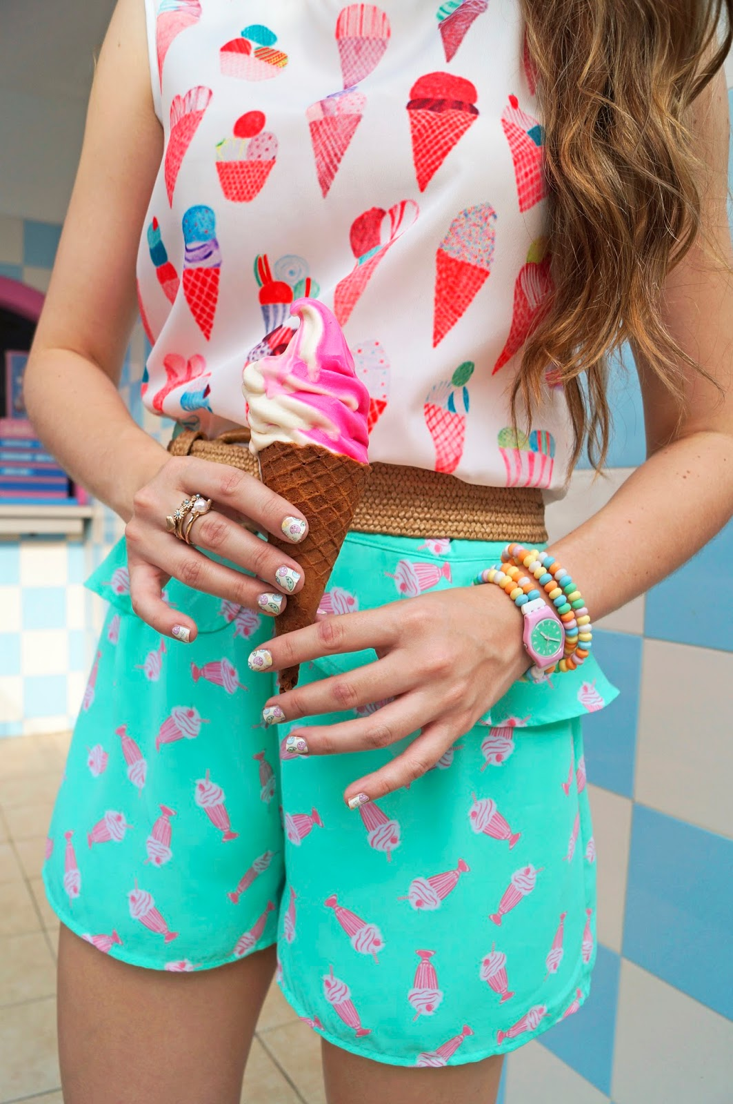This outfit reminds me of Candyland!