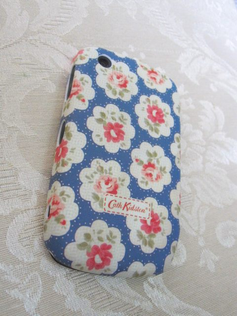 Case Design cath kidston blackberry phone case : using this new case from cath kidston