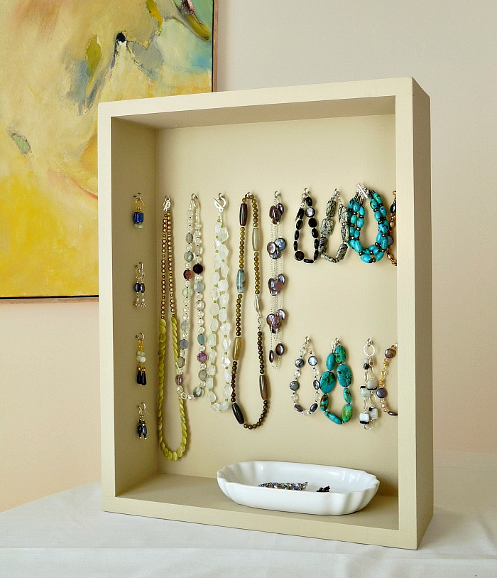 Build a jewellery display