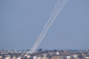 Benjamin Netanyahu condena silêncio da imprensa após bombardeio