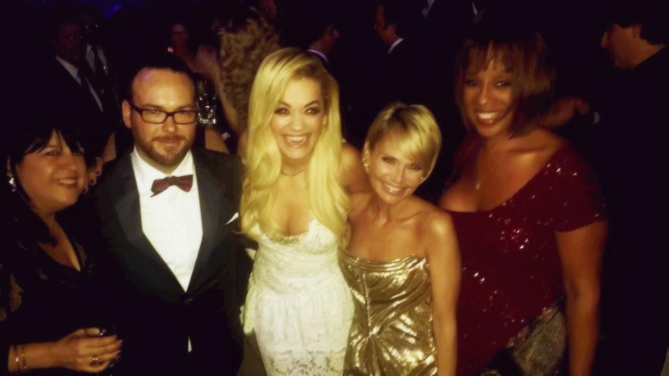 Nueva foto de Dana Brunetti, Rita Ora  & E.L. James en los Premios Oscar!