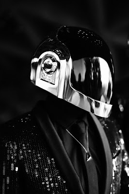 daftpunk, daft-punk, hedislimane, hedi-slimane, ysl, saintlaurent, saint-laurent, yves-saint-laurent, saint-laurent-paris, fashion-book, crfashionbook, fashionbook, musique, electro, electro-music, mode, fashion, mathieu-césar, sky-ferreira, glitter, sequins, smoking, tenue, helmet, costard, dessin, podium, du-dessin-aux-podiums, french-touch, RAM, random-access-memories