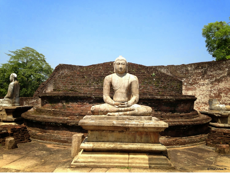 Polonnawura Bouddha en méditation, triangle culturel Sri-Lanka