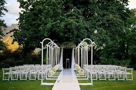 The wedding show must continue yes there is need to keeping in line with my keep it simple mantra this is my idea of how a garden wedding decor should look like it is simple i have chosen this particular junglespirit Image collections