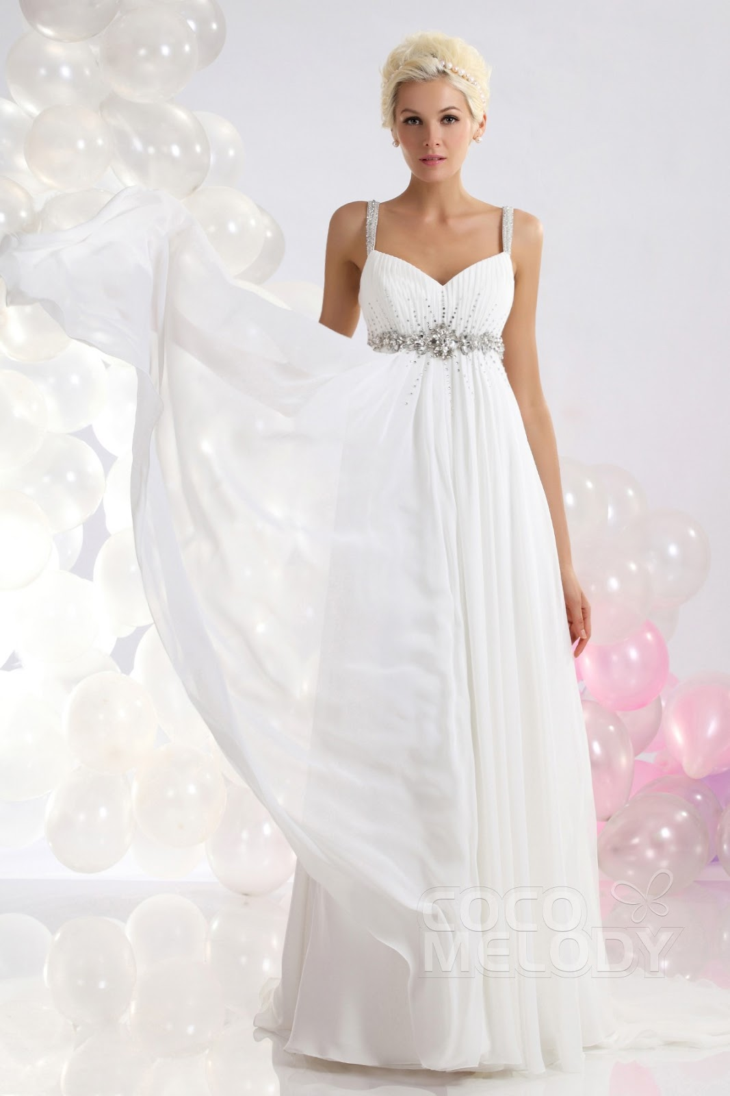 Fashion week Wedding Beautiful dresses with straps for woman