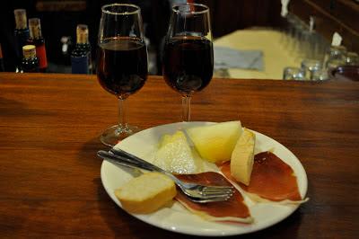 Bodegas Castañeda - gratis tapas bij een drankje