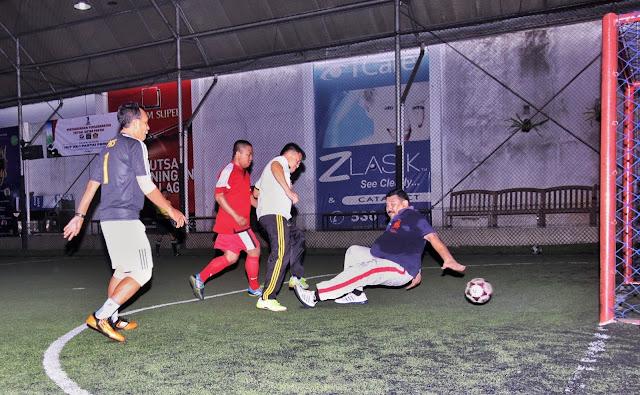Futsal Persahabatan PKS vs Perindo, Sohibul Iman Sarangkan Bola ke Gawang HT