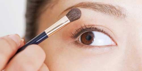 como maquillar tus ojos para que parezcan mas grandes paso a paso
