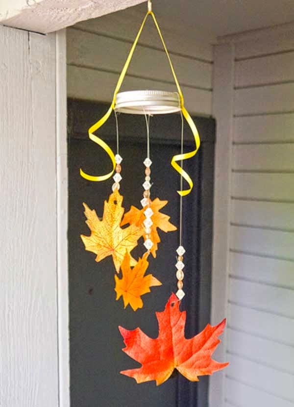 Home decoration 25 fall inspired home decorations with leaves for Autumn leaf decoration