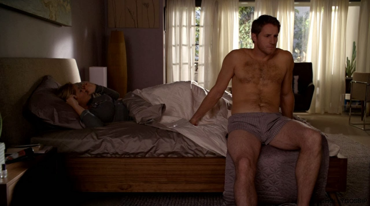 MALE CELEBRITIES: Hairy sexy shirtless pictures of Sam Jaeger