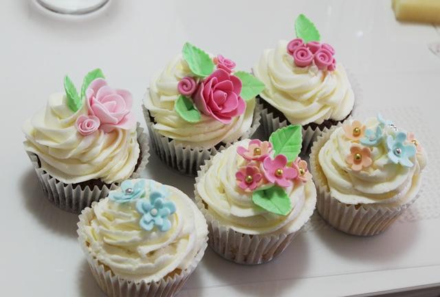 Cupcake Decorating Ideas For High Tea : Wild sugar Rose - wedding cakes, cupcakes and cake ...