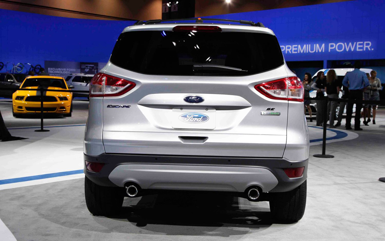 Car Wallpapers : 2013 Ford Escape Wallpapers