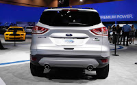 2013-Ford-Escape-wallpaper-12