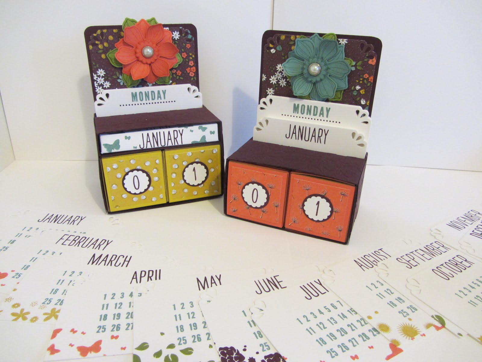 Day to Day Perpetual Desk Calendar Stamp Class