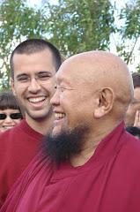 Preciosos Lama Gangchen e Lama Michel ao fundo Rute