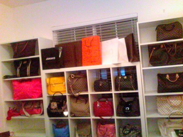 Au Coin De Bisou: Bags and Shoe Closet in Progress