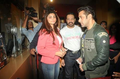 Salman Khan with Jai Ho Tem at Sholay 3D Movie Theatre