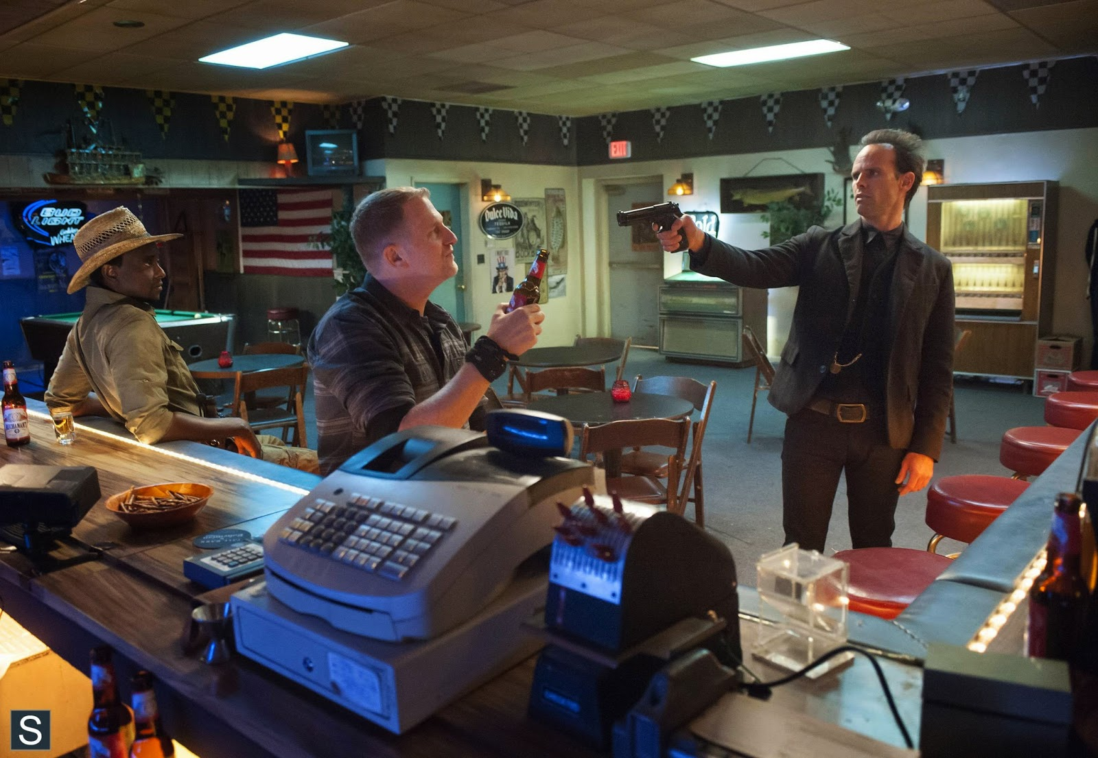 Justified - 5.05 - Shot All to Hell - Postmortem with Graham Yost (Spoilers)