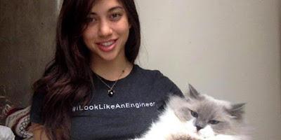 Diduga Teroris, Akun Facebook Gadis Cantik Ini Diblokir