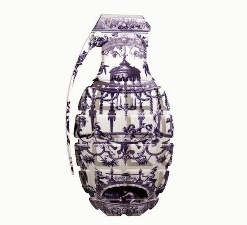 07-Delft-Grenade-Delft-Porcelain-British-Artist-Magnus-Gjoen-www-designstack-co