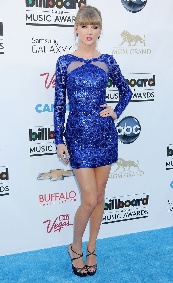 Taylor Swift - Celebrity Fashion at the Billboard Music Awards 2013 in Las Vegas