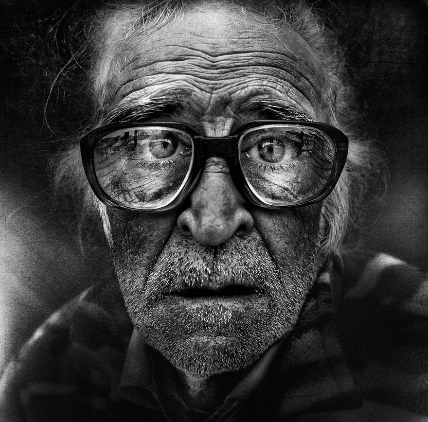 Done only in white and black these amazing photos are so detailed you are able to see every wrinkle of the faces you see everyday in the streets