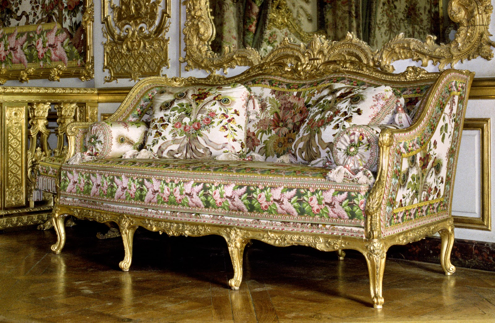 art et techniques de la dorure versailles canap foliot chambre de la reine. Black Bedroom Furniture Sets. Home Design Ideas