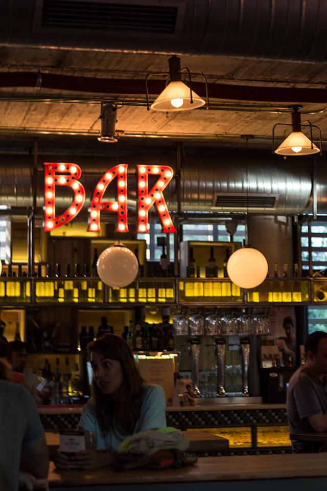 Bar auf dem Mercado de San Ildefonso