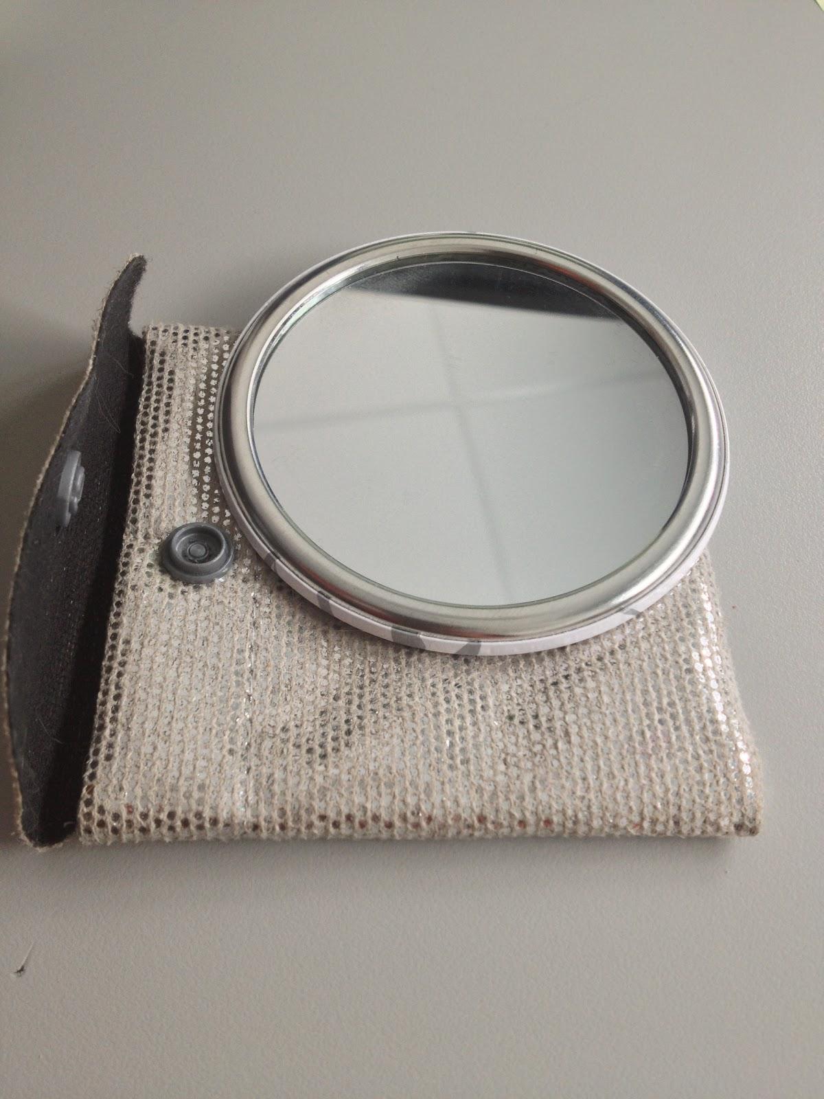 Aujourd 39 hui c 39 est mon anniversaire for Miroir yves rocher