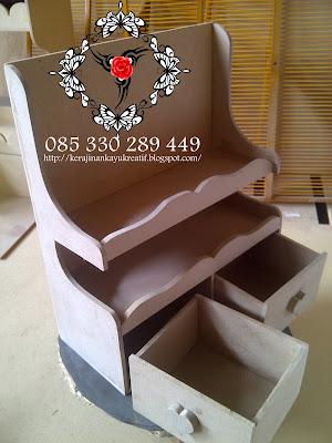 Pusat Kerajinan Sovenir Nikah Dari Kayu MDF Dari Jombang