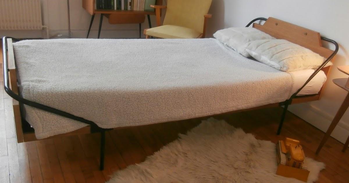dur e de vie ind termin e lit ann es 50 pieds m tal style hitier. Black Bedroom Furniture Sets. Home Design Ideas