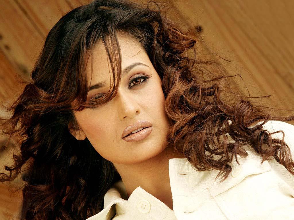 Yuvika Chaudhary Biography