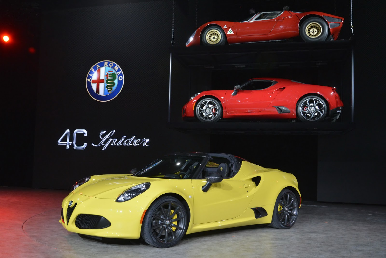 alfa 4c spider flaunts its new hairdo in detroit. Black Bedroom Furniture Sets. Home Design Ideas