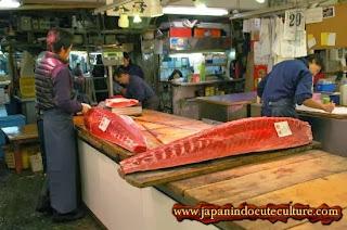 tsukiji market pasar ikan terbesar di jepang