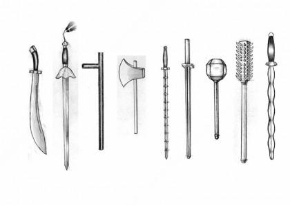 อาวุธสั้น (จากซ้าย) ดาบ, กระบี่, ไม้เท้า, ขวาน, แส้เหล็ก, เหล็กท่อน, ค้อน, กระบองสั้น, สาก