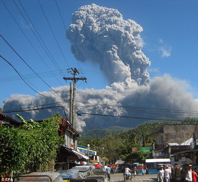 Bulusan Volcano Philippines spews ash and gas 500 meters into the sky