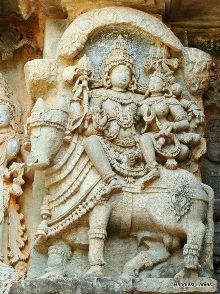 shiva parvati nandi Kedareswara temple Halebeedu