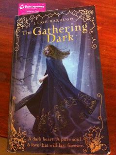 The Gathering Dark ( Shadow & Bone ) Leigh bardugo