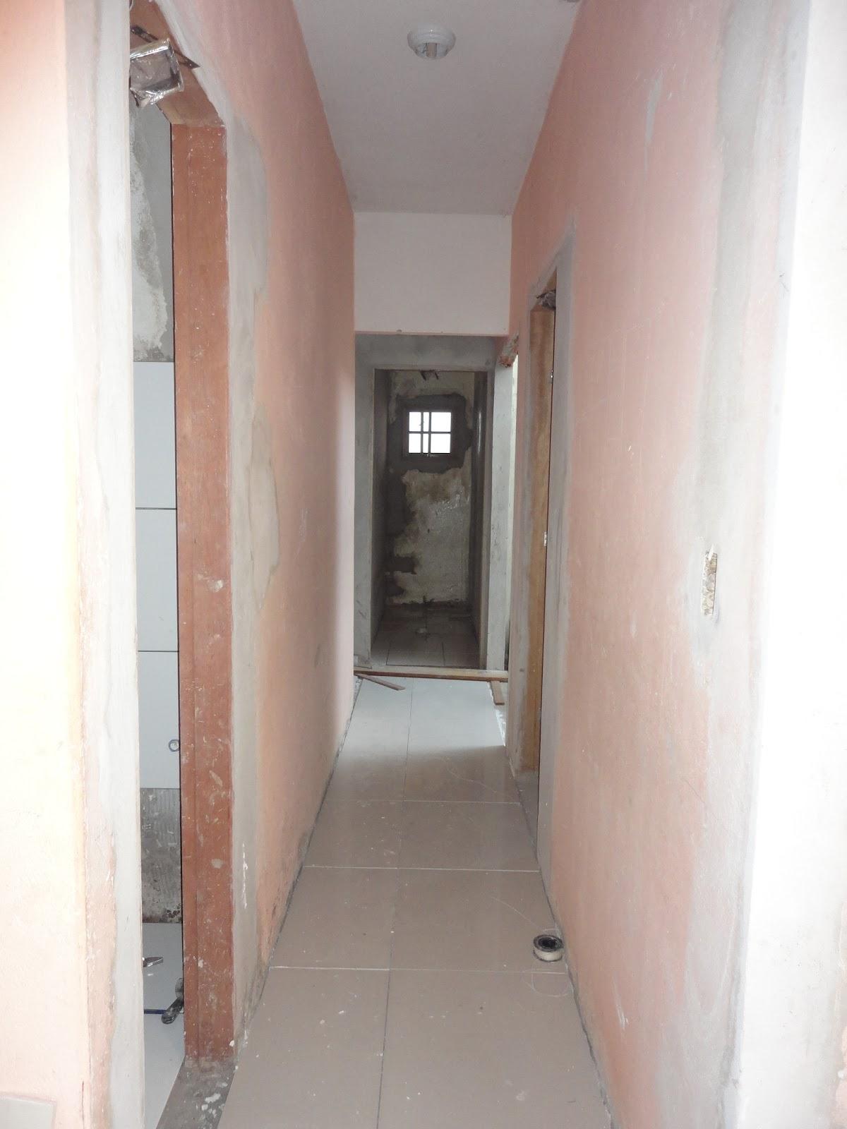 #7C5C4F  branca e cinza e abaixo da janela vou fazer o nicho com o fundo na 1200x1600 px janela banheiro branca