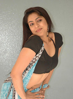 Reshmi Item Girl Reshmi Spicy Pictures in Black Blouse and Saree
