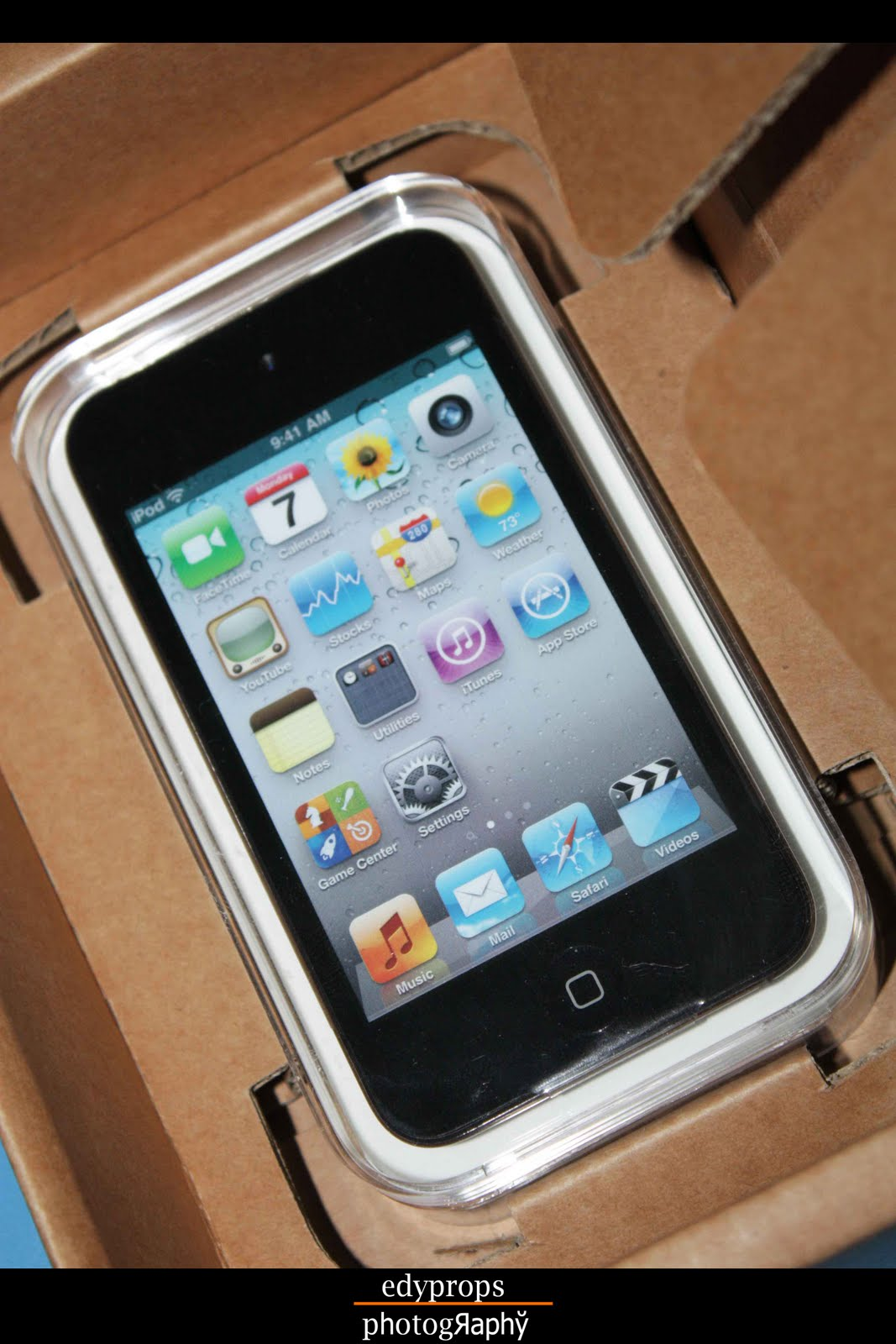 http://1.bp.blogspot.com/-2AAMp9j3dxU/TdEuDG_hfRI/AAAAAAAADEo/icDBU4focAE/s1600/ipod+touch.jpg