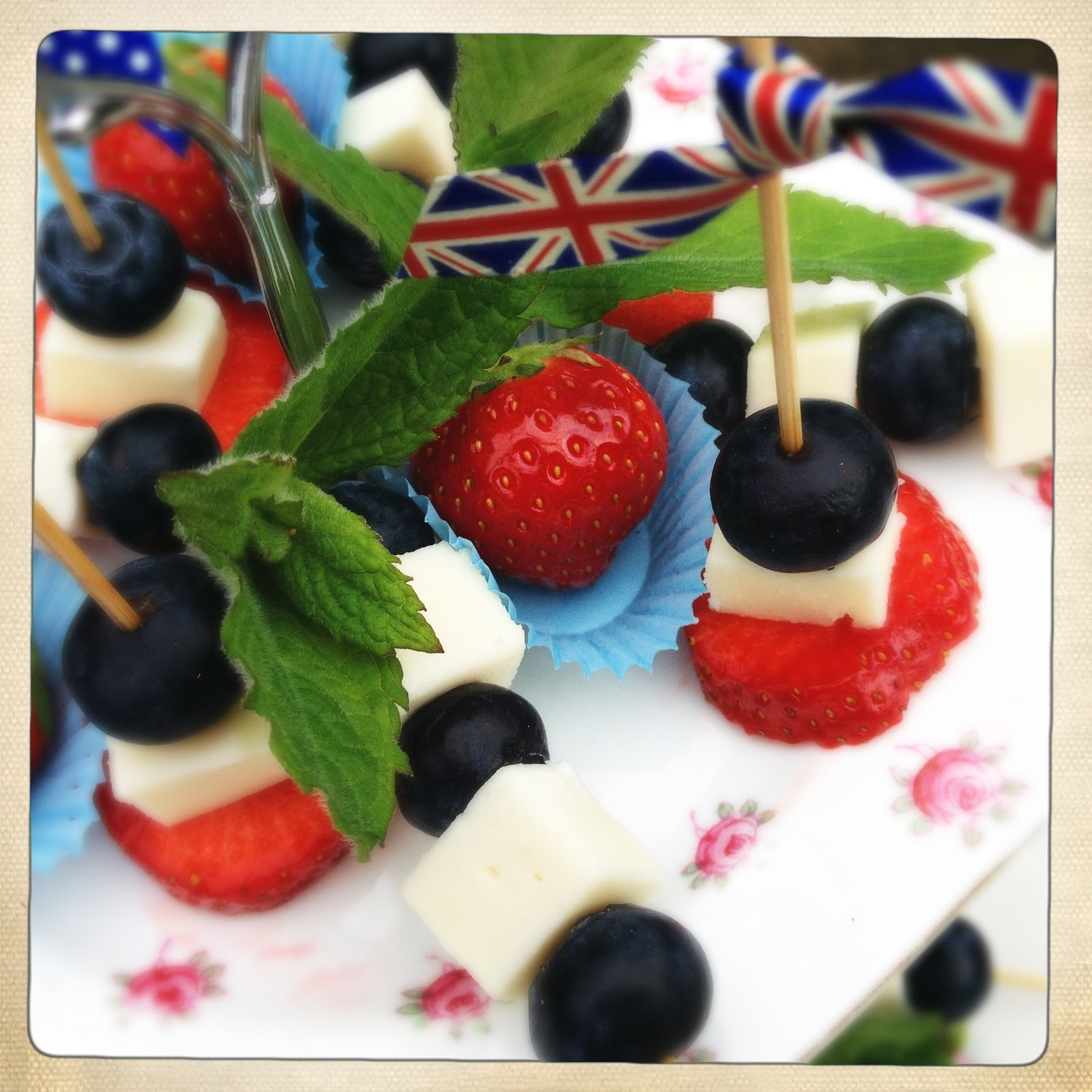 Slice of slim jubilee celebrations idea no 1 fruit for Canape sticks