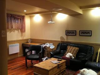l 39 espace d co avant apr s un sous sol feutr et color. Black Bedroom Furniture Sets. Home Design Ideas