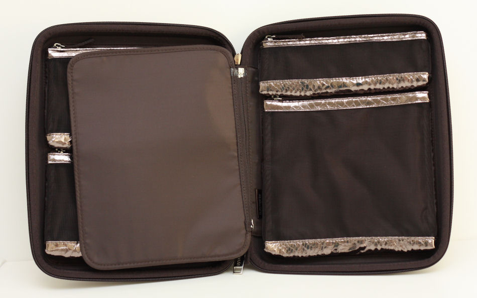 The Portfolio Package Includes 4 Zippered Mesh Bags A Removable Brush Page Holder And Refillable 6 Well 3 Compact Everything Is Encased In
