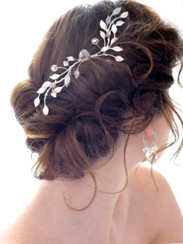 The most trendy wedding hair accesories and wedding hairstyles