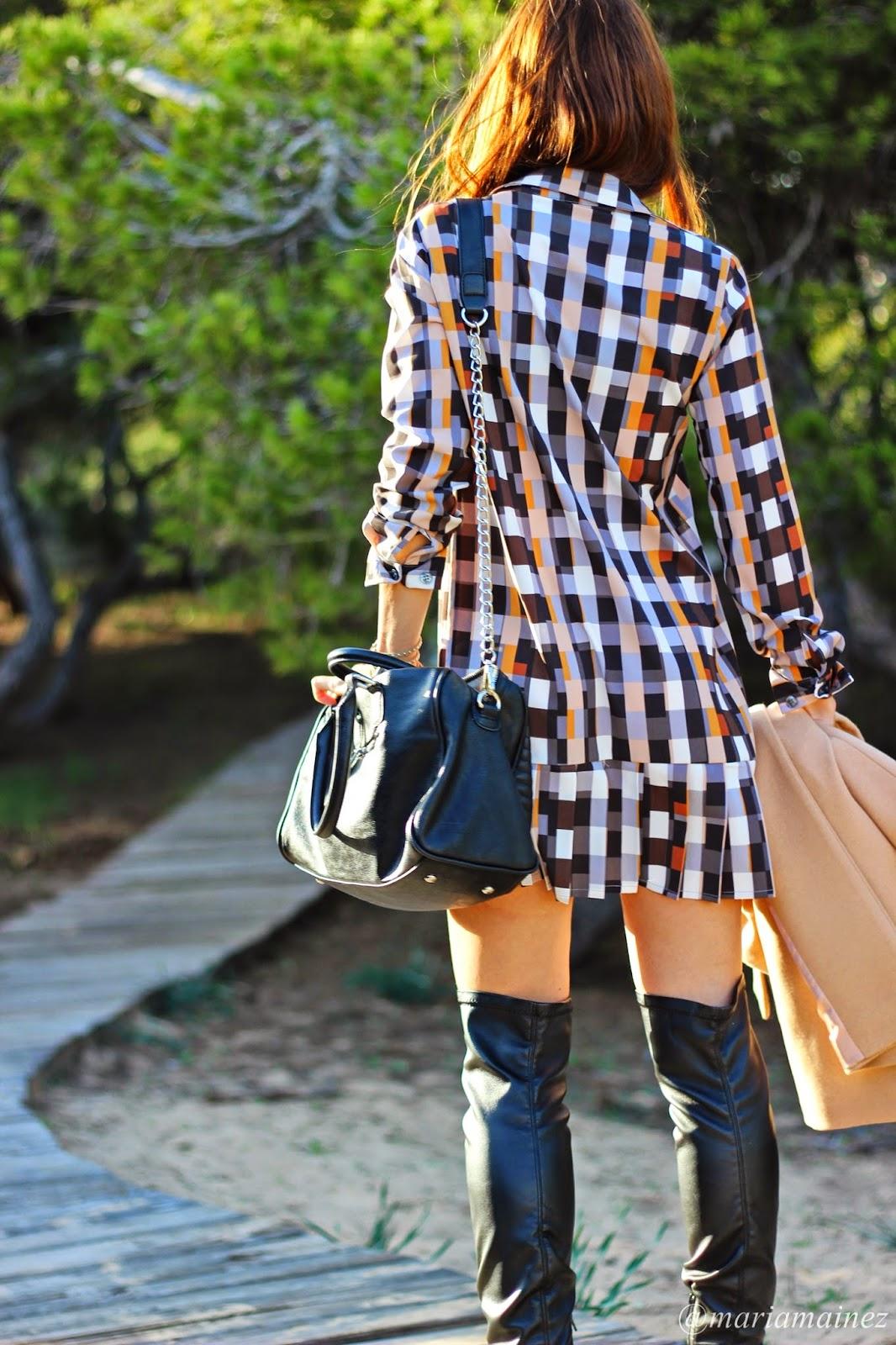 Vestido camisero- botas altas - denny rose- Opposit sunnies - blogger alicante