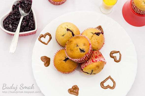 Muffinki z jagodowym nadzieniem