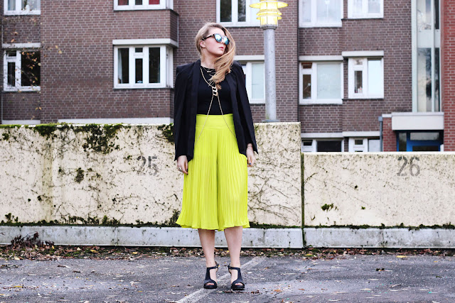 neon, culotte, pleats,trend, 2014, cos, cut-out, bodychain, cape, balzer, germany, fashionbogger, asos, lespecs, sunnies