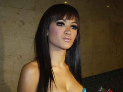 Artis hot Indonesia #3 Farah Quinn