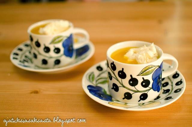 appelsiini-inkiväärikeitto vaniljamascarpone